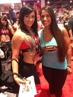 The beautiful Brittany Mullen #coconutter #vegas #mrolympia #mrolympia2014 #olympia #50tholympia #athlete #bodybuildingcom #bodybuilding #coconutbutter #sweetspreads #sweetspreadscoconutter