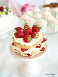 Summer Cake at the Party Summer Cakes, Cake Fillings, Delicious Cake Recipes, Easy Baking Recipes, Frosting Recipes, No Bake Cake, Eat Cake, Cake Decorating, Sweet Treats