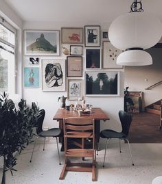"2,533 gilla-markeringar, 94 kommentarer - Katarina Matsson (@ettrumtill) på Instagram: ""Good morning Sunday! ☕️ | so, I had decided not to do a gallery wall this time in this house |…"""