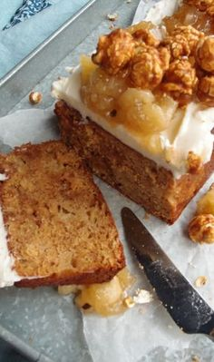 Omena-toffeekakku | Maku Fudge Cake, Loaf Cake, Finnish Recipes, Sweet Pie, Baked Apples, Something Sweet, No Bake Desserts, Coffee Cake, How To Make Cake