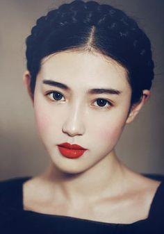 Frida japa... hahaha... só faltou o unibrow...