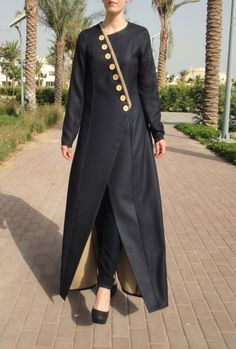 Grey and beige double-sided abaya. This abaya features hidden push-buttons front fastening and decorative buttons. Abaya Style, Hijab Style, Abaya Designs, Kurti Neck Designs, Abaya Fashion, Muslim Fashion, Fashion Dresses, Stylish Dress Designs, Stylish Dresses