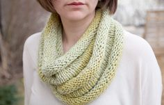 Roll cowl - free knitting pattern - Pickles
