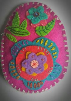 Easter egg, felt and embroidery
