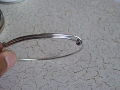DIY Detail - How to make the loops that allow the bracelet to expand and shrink - Adjustable Memory Wire Bangle Bracelets DIY