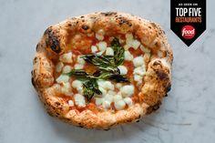 UNA PIZZA NAPOLETANA - Photo magherita pizza