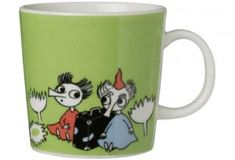 Children and adults alike fall in love with the sympathetic characters of Moomin Valley as created by the author Tove Jansson. The Arabia artist Tove Slotte has designed the delightful Moomin objects in keeping with the original drawings. Moomin Shop, Moomin Mugs, Moomin Valley, Japanese Gifts, Tove Jansson, Green Mugs, Sex And Love, Marimekko, Kitchen Items