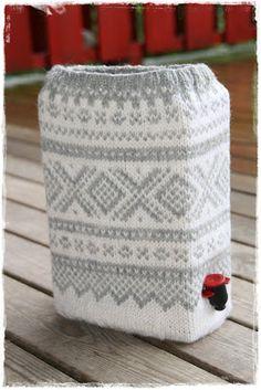 Her bor jeg: Oppskriften på Mariusgenser til vinkartongen Crochet Blouse, Knit Crochet, Quick Knits, African Mud Cloth, Online Tutorials, Mittens Pattern, Free Pattern, Knitting Patterns, Great Gifts