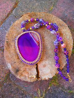 Hanger Violette - een ketting die ik zelf heb gemaakt en een echte blikvanger is! leuk voor komende feestdagen!