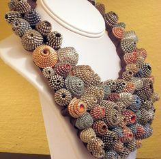 Zipper jewelry - Wheeler Willis - Stunning collar necklace made of clustered… Jewelry Crafts, Jewelry Art, Handmade Jewelry, Jewelry Design, Jewellery, Textile Jewelry, Fabric Jewelry, Zipper Crafts, Zipper Jewelry