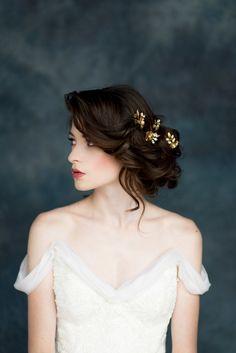 Formal Hairstyles, Bride Hairstyles, Vintage Hairstyles, Pretty Hairstyles, Bridal Hair Pins, Wedding Hair And Makeup, Chic Vintage Brides, Vintage Updo, Vintage Weddings