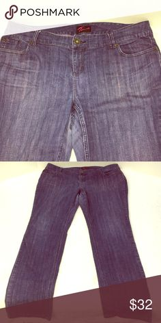 Torrid stretch straight leg denim jeans 18 Torrid stretch straight leg denim jeans, size 18. Denim has purplish hue to the blue denim fabric. 99% cotton, 1% spandex. Machine wash cold, tumble dry low. Excellent condition. Measures approximately 20 1/2 inch waist, 9 1/2 inch rise, 29 inch inseam, 40 inch length, 7 inch cuff witdh. Smoke-free home. (A25) torrid Jeans Straight Leg