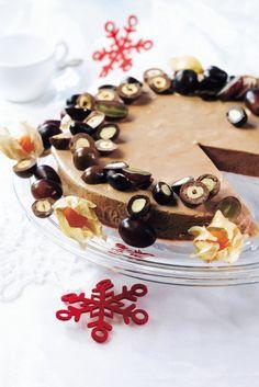 Mokkajäädyke   Jäätelöt, jäädykkeet, sorbetit   Pirkka #food #christmas #joulu Halloween Birthday, Dessert Recipes, Desserts, Cheesecakes, Sweet Recipes, Espresso, Panna Cotta, Birthdays, Ice Cream