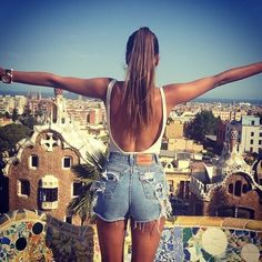 backless top, high waisted shorts: summer outfit