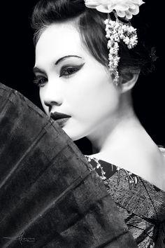 Potrait of Geisha by Thomasadhinugroho.deviantart.com on @deviantART