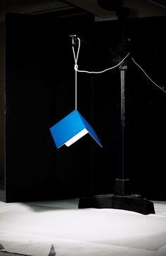 Lacquered aluminum pendant lamp