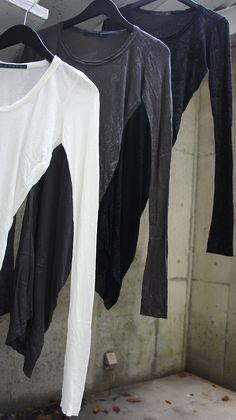 [JULIUS] PRINT RAYON FRAISE 437CUM-P col:OFF/CHARCOAL/BLACK size 1,2 23,100yen