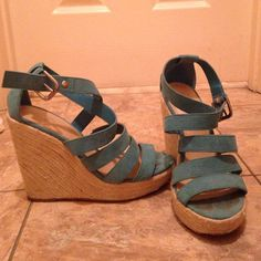Goodwill 7/18 Pm- Strappy Teal Wedges- Guc