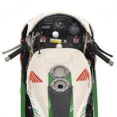 Racing Scale Models: Honda VTR 1000 V.Rossi & C.Edwards Team Castrol Honda 8 Hours Suzuka 2000 L.E. 5099 pcs. by Minichamps