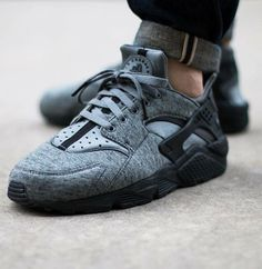 Nike Air Huarache Tech Fleece: Grey