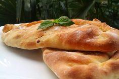 Καλτσόνε - Elpidas Little Corner Hot Dog Buns, Hot Dogs, Spinach Pie, Calzone, Pizza, Bread, Chicken, Corner, Food