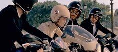 La femme est-elle l'avenir de la moto? Source : CHANEL www.motard-chic.com