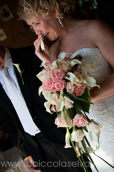 Cascade bridal bouquet with white Calla Lillies and Pink Roses #calla