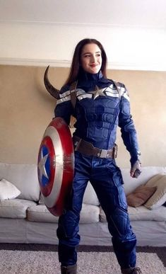 Captain America is one of the most popular Marvel Comics characters. Captain America represents the pinnacle of human physical perfection. More and more Captain America Cosplays show up and really nailed it. Costumes Marvel, Superhero Halloween Costumes, Superhero Cosplay, Couple Halloween Costumes For Adults, Marvel Cosplay, Halloween Cosplay, Teen Costumes, Couple Costumes, Pirate Costumes
