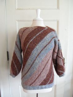 d1e177076393a Adrienne Vittadini Vintage Mohair blend Sweater. Geweldige kleur combo en  ontwerp. on Etsy,