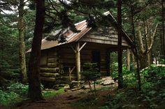 The Roan High Knob Shelter Roan Mountain. [2048x1360][OC] via Classy Bro