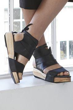 wrapt flatform - Leather black : new in : shop online • m o o c h i