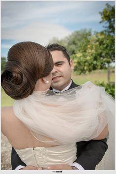fotografia boda novios velo espalda