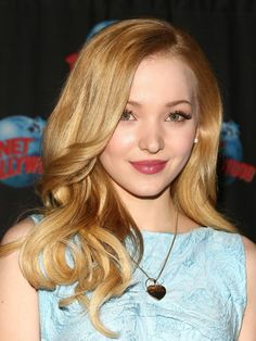 Actress Dove Cameron visits Planet Hollywood Times Square on January 2014 in New York City. Dove Cameron, Cameron Boyce, Marlene Dietrich, Brigitte Bardot, Liv Et Maddie, Greta, Planet Hollywood, Hair Color And Cut, Beautiful Celebrities