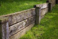 Railway sleepers for retaining walls Más