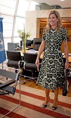 2016-10-11 00:00:00 BUENOS AIRES - Koningin Maxima tijdens een meeting met de minister van Buitenlandse Zaken, mevrouw Susana Malcorra. Koningin Maxima bezoekt ArgentiniÎ in haar rol van speciale pleitbezorger van de Secretaris generaal van de Verenigde Naties voor Inclusive Finance for Development. ANP ROYAL IMAGES ROBIN UTRECHT **NETHERLANDS ONLY**