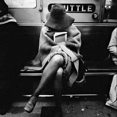 yeahhh right. Walker Evans subway series is one of my favorites. He beautifully photographed so many images really capturing the hustle and bustle in NYC. Nyc Subway, New York Subway, Black N White, Black White Photos, Black And White Photography, White City, Ellen Von Unwerth, Ansel Adams, Vintage Photography