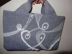 Bobbin Lace, Burlap, Reusable Tote Bags, Scrappy Quilts, Lace Purse, Bags, Sew Gifts, Free Pattern, Cast On Knitting