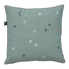 A skandináv prémium minőségű Lifetime Fairy Dust Rainbow (50x50 cm) párnája most 23990 Ft helyett 16990 Ft a Kimmel gyerekbútornál! Fairy Dust, Rainbow, Throw Pillows, Rain Bow, Rainbows, Toss Pillows, Cushions, Decorative Pillows, Decor Pillows