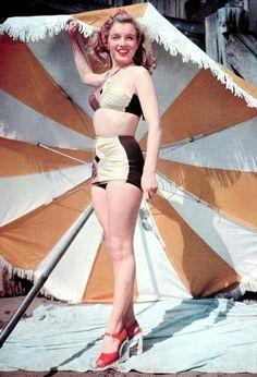 Norma Jean ~ Marilyn Monroe 1948 Bikini Pin Up Marilyn Monroe Fotos, Marilyn Monroe Poster, Marilyn Monroe Swimsuit, Football Usa, Pin Up, Cinema Tv, Malibu, Norma Jeane, Bathing Beauties
