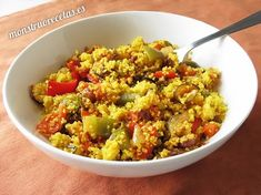 Receta de cuscús o cous-cous con verduras. Plato ligero y muy fácil de preparar, ideal para vegetarianos y dietas.