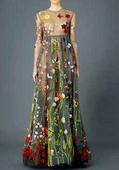 fashion-runways: VALENTINO Pre-Fall 2015.  I like this funky mix of colors and the garden theme is one of my faves.  I love when a dress tells a story.