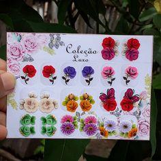 Nails, Instagram, Christmas Nail Art, Nail Arts, Nail Stickers, Flower Nail Designs, Christmas Nails, Free Printable Stickers, Creative Nails