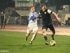 Zoran Kostić nagyszerűen játszott a Videoton ellen 2-2-re végződő mérkőzésen az OTP Bank Liga 15. fordulójában Running, Sports, Hs Sports, Keep Running, Why I Run, Sport