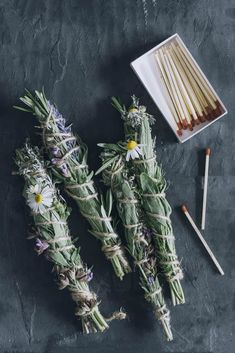 How To: Make Your Own Rosemary Sage Smudge Sticks Sage Smudging, Make Your Own, Make It Yourself, Herbal Magic, Baby Witch, How To Dry Rosemary, Spiritus, Smudge Sticks, Glow Sticks