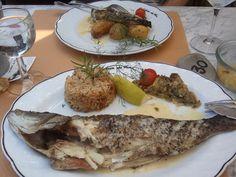 """""""La Cabane du Fier"""", sur l'île de Ré, à Ars-en-Ré.... Simplement le meilleur poisson de ma vie !!! Une merveille !"""