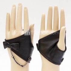 TS Rocker Chain Fingerless Leather Gloves