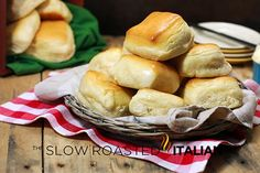 Copycat Texas Roadhouse Rolls. Made these yesterday for Thanksgiving and everybody loved them...only thing missing was that butter