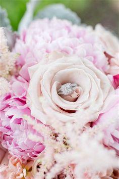 Wedding Florists, Award Winning Floral Design, Minneapolis Wedding Florists