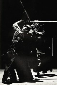 Kendo Black white photo World Martial Art-Japanese Kendo, Aikido, Parkour, Japanese Fence, Japanese Art, Japanese History, Traditional Japanese, Karate, Cyberpunk