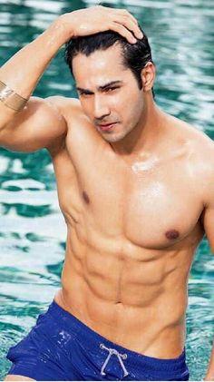 20 Bollywood men who rocked the world with their Shirtless look! Bollywood Stars, Bollywood News, Bollywood Actress, Varun Dhawan Body, Varun Dhawan Wallpaper, Alia And Varun, Student Of The Year, Hot Asian Men, Karan Johar